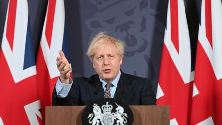 Борис Джонсън на пресконференцията в Лондон