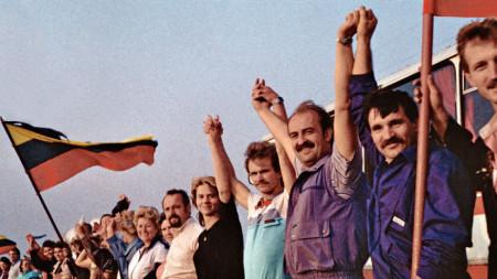 Живата верига, свързваща Талин, Рига и Вилнюс през 1989 г.