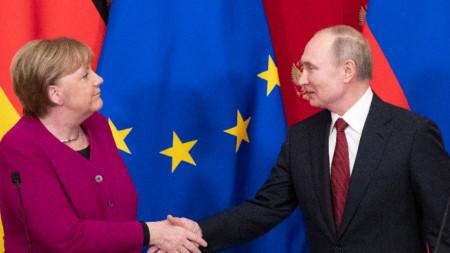 Владимир Путин и Ангела Меркел се срещнаха в Москва.