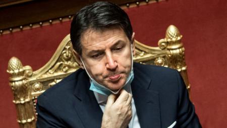 Джузепе Конте по време на вота на доверие за неговото правителство в Сената на Италия