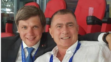 Добромир Карамаринов гледа стартовете от Европейските игри на стадион