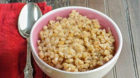 Към житото (или друга подобна култура) може да добавите орехи и мед