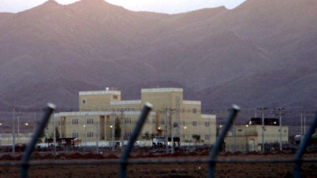 Изглед към ядрения обект в Натанз, Централен Иран. Кадърът е направен на 18 ноември 2005 г.