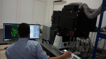 Микроскопската система със суперрезолюция Andor Dragonfly