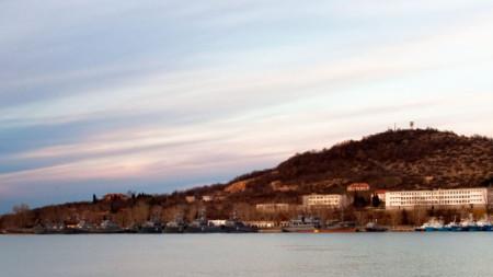 Военноморската база в Атия