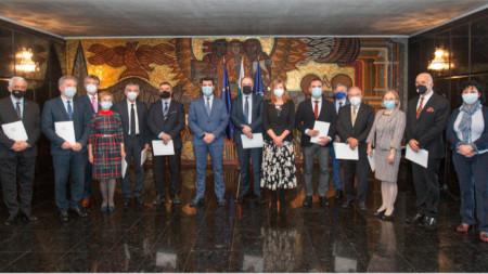 Ректорите на девет водещи университета у нас приеха в МВнР работното определение за антисемитизъм