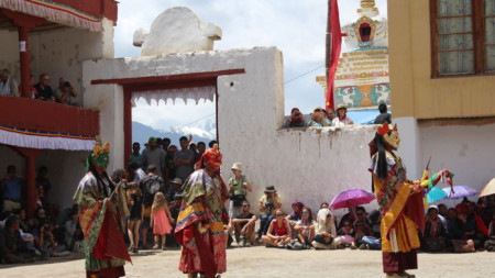 Ритуален танц в Ле, столицата на Ладак.