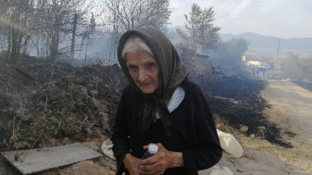 Starosel köyündeki yangında da altı ev yandı.
