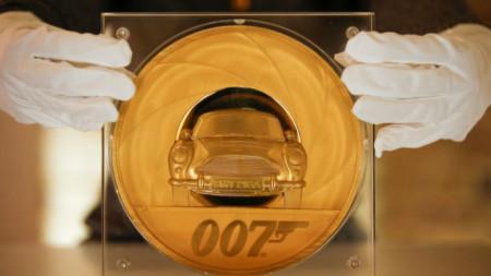 7-килограмова златна монета в чест на новия филм за Джеймс Бонд