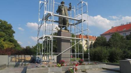 Паметник на съветския маршал Иван Конев в Прага