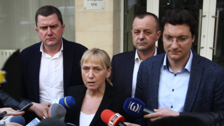 Елена Йончева: Правителството на Бойко Борисов облагодетелства фирми, които унищожават българската земеделска земя