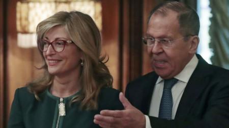 Екатерина Захариева и Сергей Лавров на срещата им в Москва.