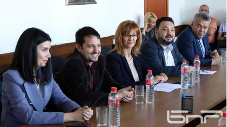 Галя Тренчева, Димитър Димитров, Мария Маркова, Светослав Костов, Стефан Ташев (от ляво надясно)