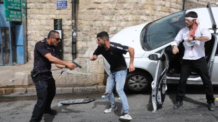 Стотици са ранените в сблъсъците в  Ерусалим в понеделник.