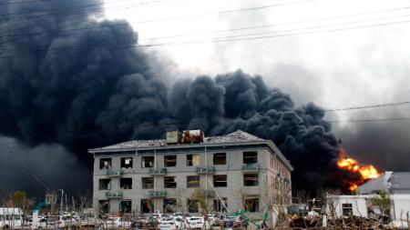 Взривът в химическия завод в град Янчън е бил толкова мощен, че е предизвикал земен трус с магнитуд 2,2.