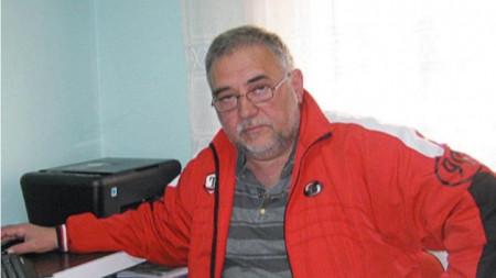 Кирил Пецев сяда на стола на водещата Бойка Браткова в рубриката