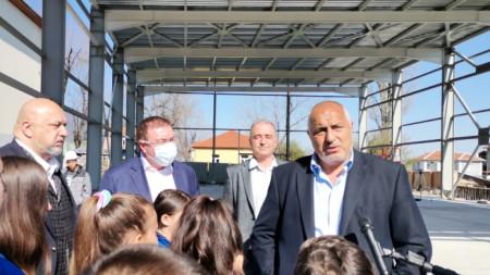 Премиерът Борисов и министрите Кралев и Ангелов днес бяха на посещение в с. Тополово.