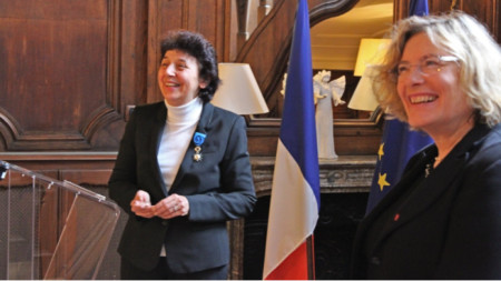 Весела Сергева и Флоранс Робин след връчването на отличието във Френското посолство в София