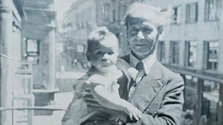 Наум Торбов с неговия внук