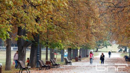 На 26 септември в София минималните температури ще са до 8°, а максималните до 26°.