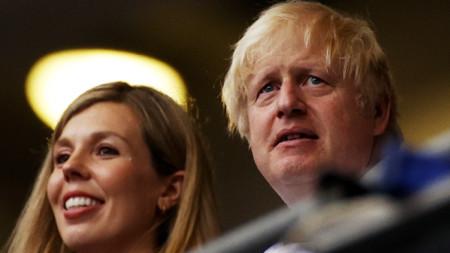Британският премиер Борис Джонсън и съпругата му Кари Джонсън на стадиона преди финала на Евро 2020 Италия – Англия, Лондон, 11 юли 2021 г.