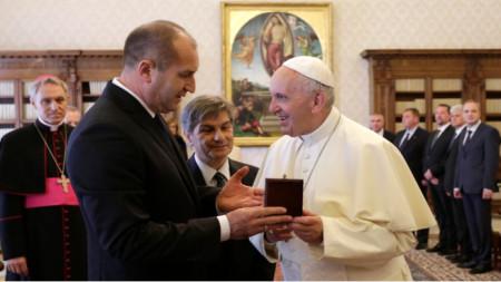 Treffen zwischen Rumen Radew und Papst Franziskus anlässlich des 24. Mai 2017