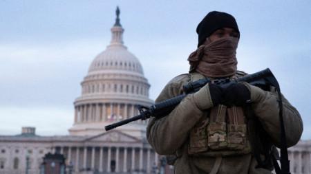 Националната гвардия охранява Капитолия във Вашингтон, 15 януари 2021 г.