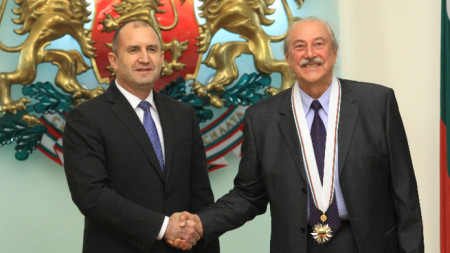 Президентът Румен Радев удостои Кирил Маричков с орден