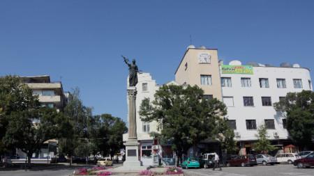 Централният площад в Севлиево