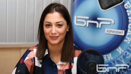 Евелина Славкова