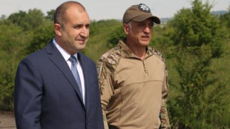 Президентът Румен Радев с Емил Тонев.