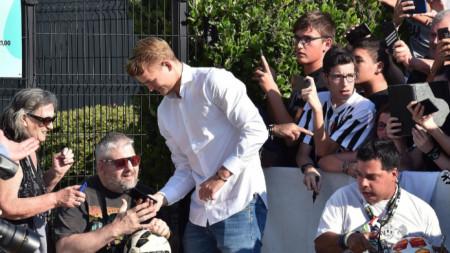 Матайс де Лихт общува с фенове в Торино.