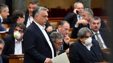 Унгарският премиер Виктор Орбан в парламента
