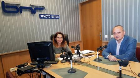 Ива Дойчинова и политологът Георги Киряков