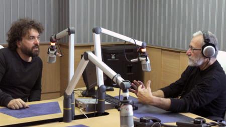 Петър Дундаков и Людмил Фотев в студиото на Радио София