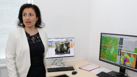 Министърът на земеделието, храните и горите Десислава Танева откри новоизграден команден пункт за противоградова защита в Хасково.