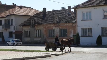 Село Владимирово е едно от селата в община Бойчиновци, в които се асфалтират улици
