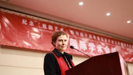 Проф. Калина Стефанова в Китай