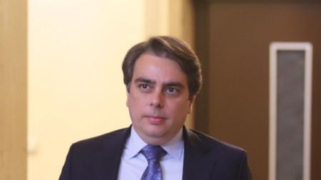 Служебният финансов министър Асен Василев