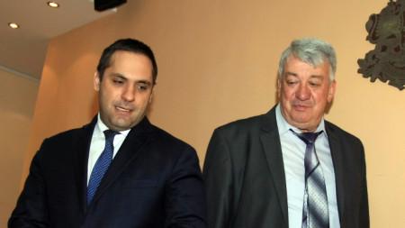 Министърът на икономиката Емил Караниколов и Симо Симов от Националното сдружение на търговци и превозвачи на горива (НСТПГ) дадоха брифинг в Министерство но икономиката.