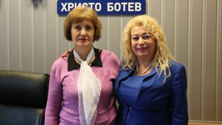 Йорданка Петрова (вляво) и Анелия Торошанова в студиото на БНР