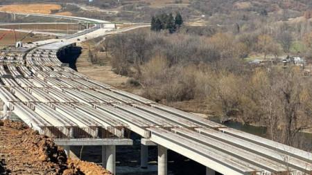 """Строителството на АМ """"Хемус"""" в трасето между Боаза и пътя Плевен – Ловеч, март 2021 г."""
