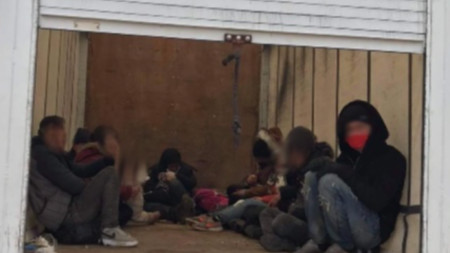 Нелегални мигранти в каросерията на камион, задържан в региона на Хасково - март 2021 г.