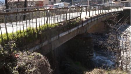 Мостът на река Канина в Огняново