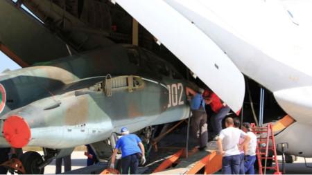 Първите два самолета се завърнаха в България.