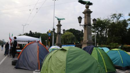Zeltlager an der Adlerbrücke in Sofia