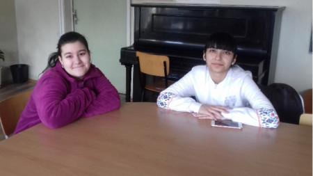 Елена и Диана са участнички в конкурса.