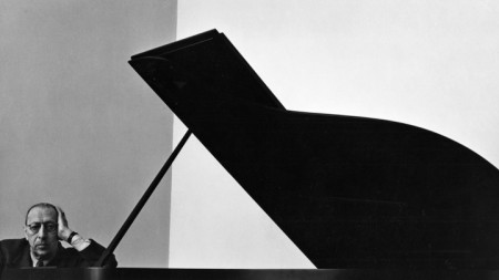 Игор Стравински, заснет от Арнолд Нюман в Ню Йорк през 1946 г.