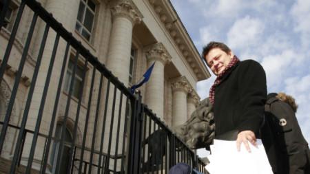 Николай Стайков пред Съдебната палата. Според него случаят с Васил Божков може да бъде повод за