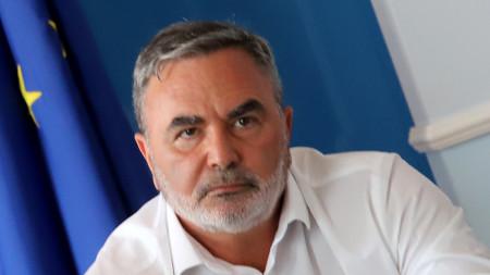 Dr. Ánguel Kunchev, inspector sanitario general del Estado